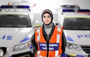SUEDE policière-suédoise-musulmane PNG