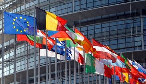 """Nicolas Perrin: """"Union européenne : notre avenir se joue-t-il au Parlement, à la Commission ou à la BCE ?"""""""