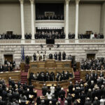 La Grèce va retrouver l'austérité qu'elle craignait tant. le Parlement grec a adopté mercredi soir une série de dures réformes