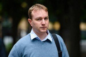 Le courtier britannique Tom Hayes arrive au Palais de justice de Southwark, le 27 juillet 2015 à Londres .