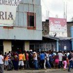 Venezuela: Un mort et des dizaines d'arrestations après des pillages
