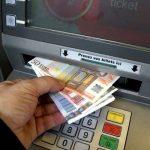 France: les distributeurs de billets, une espèce en voie de disparition dans les petites communes