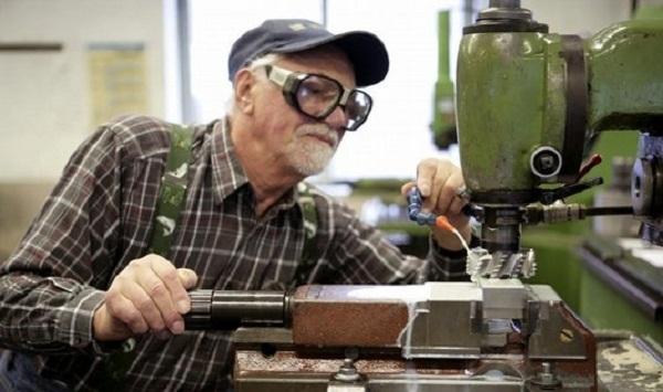 USA: à plus de 80 ans, ils sont toujours obligés de travailler et ils sont de plus en plus nombreux !!