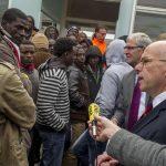 La France se met en quatre pour accueillir de son mieux, les migrants.
