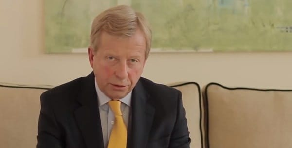 """Egon Von Greyerz: """"La crise va faire couler les actions et propulser l"""