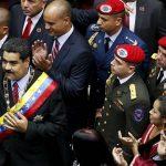 """Venezuela: face à une """"tempête économique"""", Nicolas Maduro décrète """"l'état d'urgence"""""""