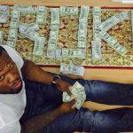 «50 cent» convoqué à la cour des faillites après s'être exhibé sur instagram au milieu de liasses de billets