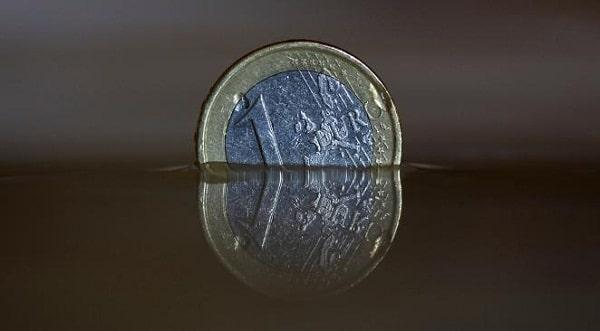 Etienne Henri : Ce que la sortie de l'euro fera (et ne fera pas) pour vous