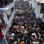 La crise des réfugiés pèse lourdement sur l'économie grecque