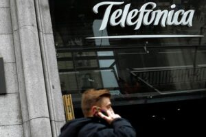 Le géant des télécommunications espagnol Telefonica suspend ses services d'appel de longue distance n'ayant pas été payé par le gouvernement