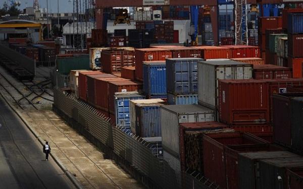 """Philippe Waechter: """"Le commerce mondial ne va pas accélérer prochainement. Les commandes à l"""