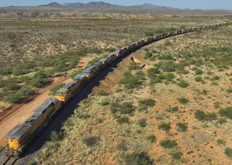 US-railroads-Union-Pacific-engines-idled-2016-05-031