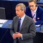 """Nigel Farage: """"J'espère que c'est la dernière fois que je parle dans ce parlement !"""""""