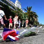 Lettre ouverte à François Hollande : « Je ne mettrai ni drapeau, ni bougie, ni des « je suis »