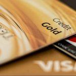 Les sociétés de cartes de crédit visent les américains les moins instruits et les moins cultivés financièrement