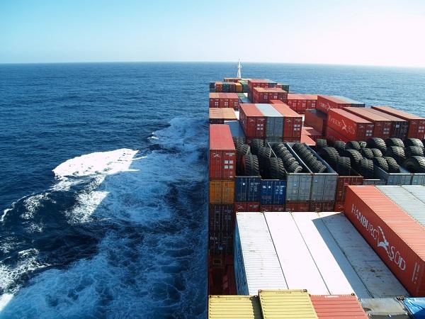 Frets maritimes: les frets secs et les pétroliers en baisse