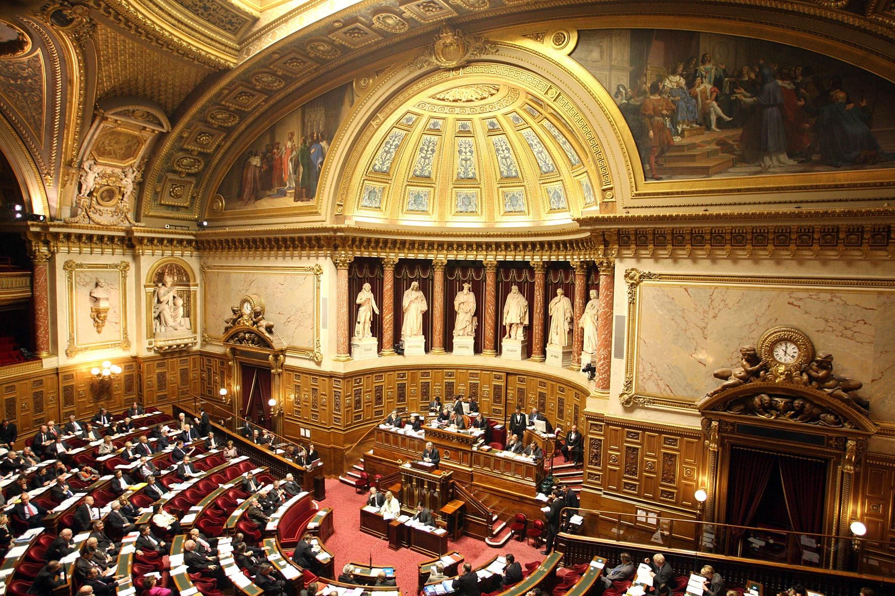 "Charles Sannat: ""Indignation. Le Sénat allège l'exit tax !"""