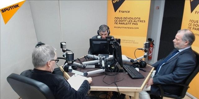 Jacques Sapir: Décryptage du programme économique de François Fillon... invités: Philippe Béchade et Dominique Barjot