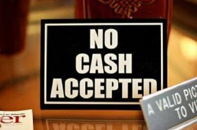 La disparition du cash a des inconvénients… n'en déplaise aux autorités