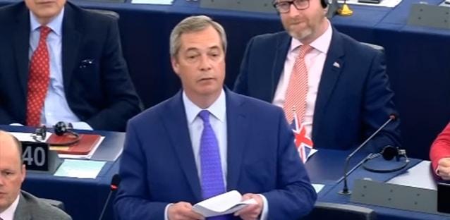 """Nigel Farage: """"Vous vous comportez comme la Mafia"""""""