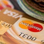 Les américains ne remboursent pas leurs dettes sur cartes de crédit. Mais qu'est-ce qui ne tourne pas rond ?