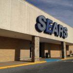 Sears Canada prévoit la fermeture de 59 magasins et la suppression d'environ 2900 emplois.