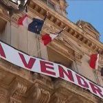"""France:  """"Hôtel de ville à vendre"""" Coupes budgétaires obligent !"""