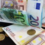 France: Agriculteurs: vivre avec moins de 350 euros par mois