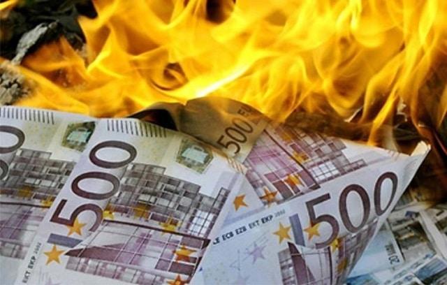 """Charles Sannat: """"L'épargne est devenue totalement inutile !!!"""""""