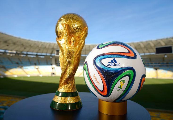 """Charles Sannat: """"Coupe du monde et hausse du PIB… Enfumage !!"""""""