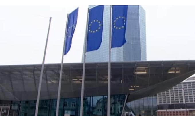 """Charles Sannat: """"Surprise !! Baisse des prévisions de croissance pour la zone euro"""""""