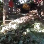 Venezuela: Regardez de quoi se débarrasse ce camion-poubelle… De bolivars !