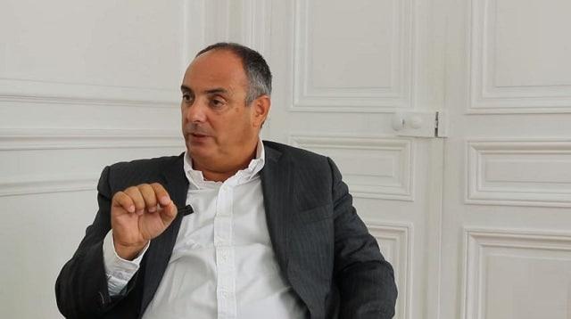 """Olivier Delamarche: """"Si Tsipras avait des testicules et un cerveau, la Grèce pourrait faire un défaut royal !"""""""