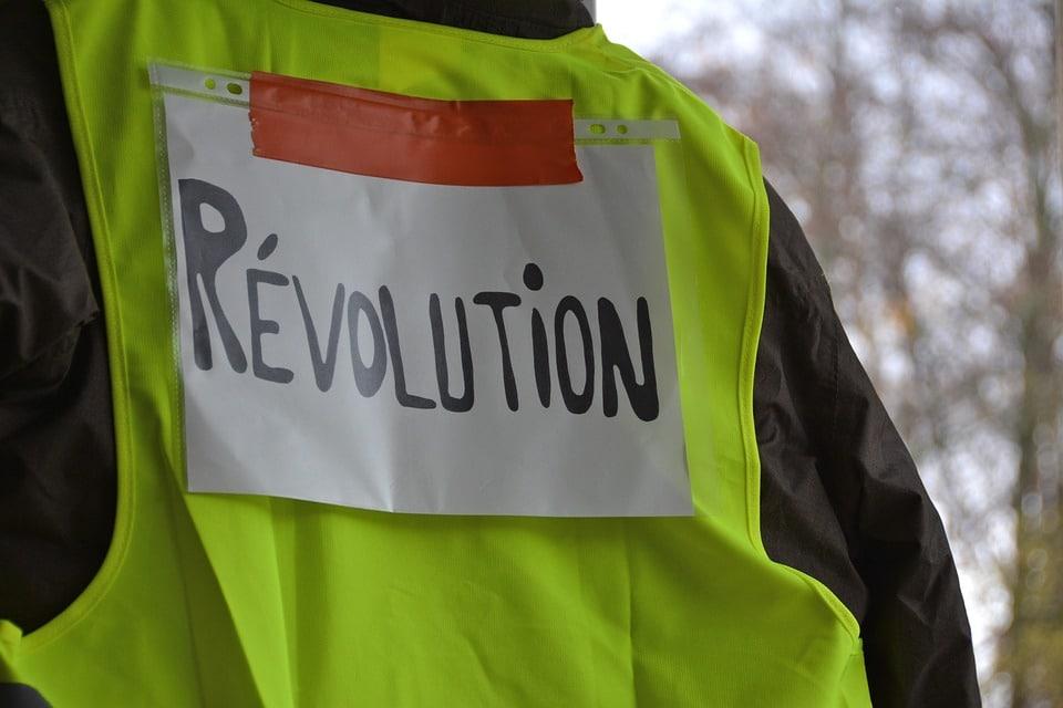 77 % des Français considèrent justifiée la mobilisation des Gilets jaunes !