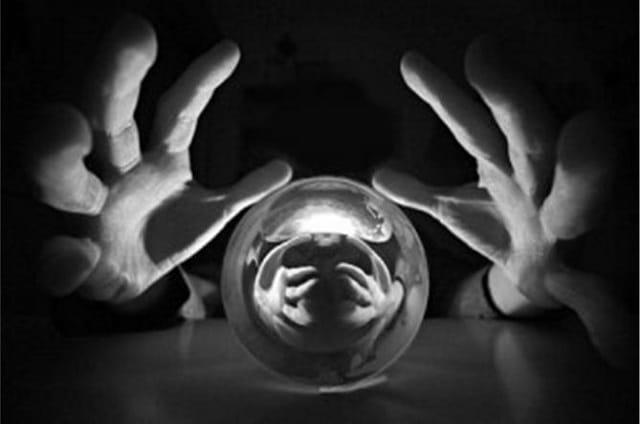 """Charles Sannat: """"Les 10 prédictions effrayantes de Saxo Bank pour 2019 !"""""""