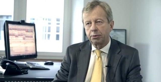 """Egon Von Greyerz: """"il n'y a aucune possibilité de réduire les dettes et il est trop tard pour instaurer des mesures d"""