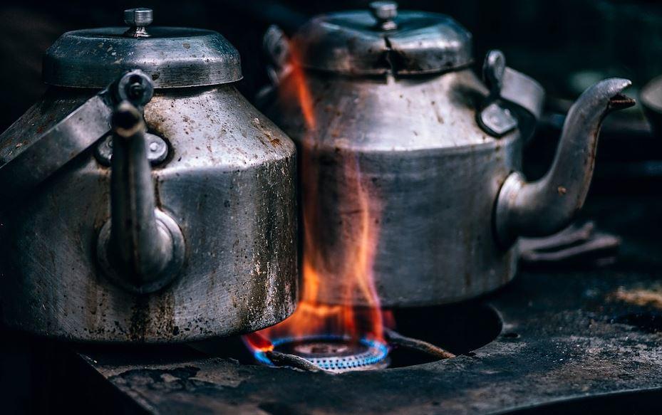Découverte de l'eau chaude !!! Pour trouver du monde les restaurateurs vont mieux payer leurs salariés !