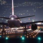 Des charters entiers de charrettes de licenciement pour les compagnies aériennes
