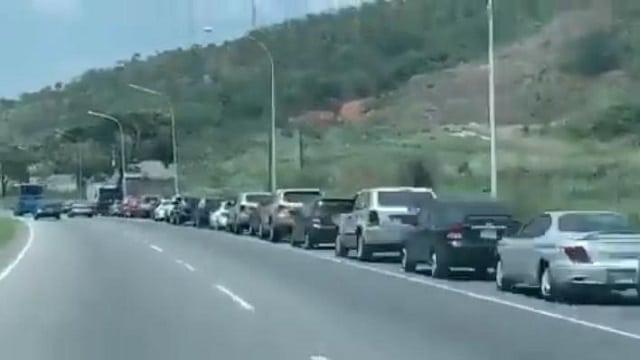Pénurie de carburant au Venezuela qui possède les plus grandes réserves de pétrole au monde