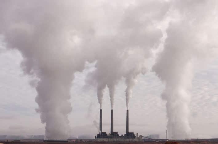 « Icoulogie ! La France rallume ses centrales à charbon… Les éoliennes c'est du vent !! » L'édito de Charles Sannat