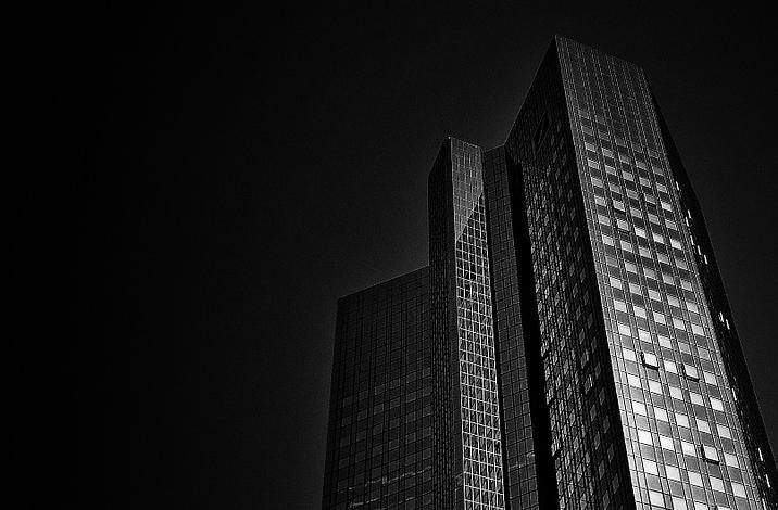 Pourquoi la Deutsche Bank attire tous les regards et en quoi ça vous concerne personnellement ?