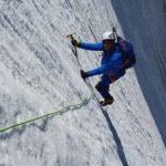 L'exploit d'Eric Woerth dans les Alpes: faire pivoter une photo pour faire croire qu'il escalade un glacier !
