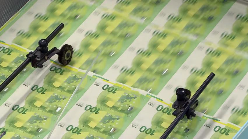 La BCE baisse son taux directeur et relance son QE