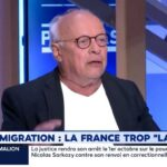 """André Bercoff: """"Des dizaines de milliers d'agriculteurs crèvent car on n'a pas d'argent pour eux. Par contre, on ouvre la bourse pour les centaines de milliers de migrants … Ca me choque !!"""""""