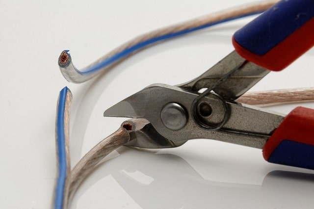 cable-electricite-coupe