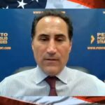 """Michael Pento: """"Ces banquiers centraux n'ont aucune solution ! Ils ne font que maintenir cette gigantesque bulle d'endettement en vie !!"""