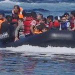 Grèce: les migrants affluent par milliers vers Lesbos