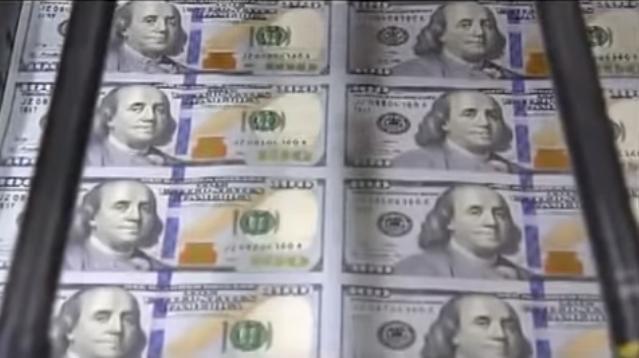 La plus importante impression monétaire de toute l'histoire arrive...