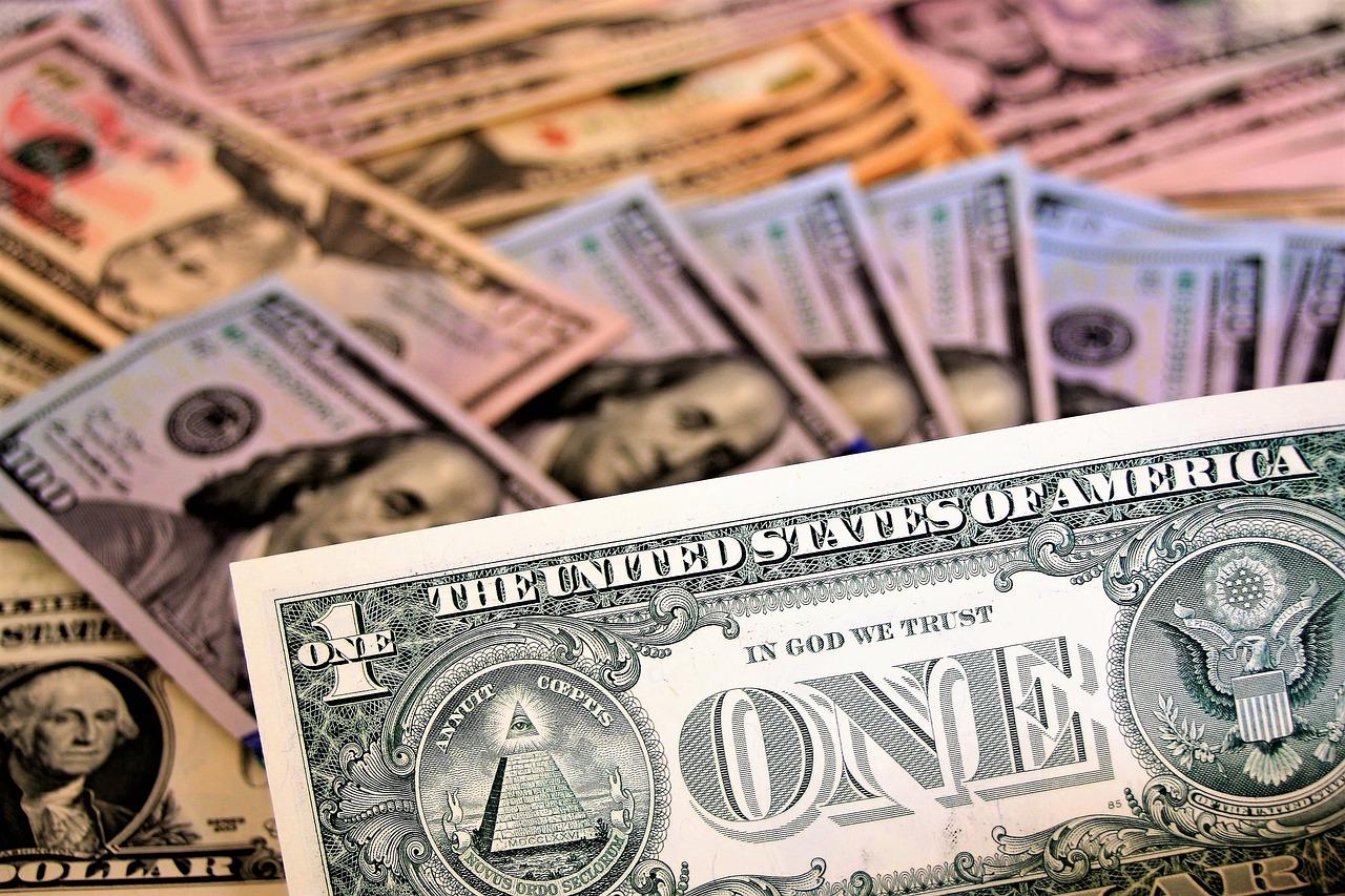 188 000 000 000 000 $... MONSTRUEUX ! Voilà le montant officiel de la dette mondiale !! Sommes-nous asservis ?
