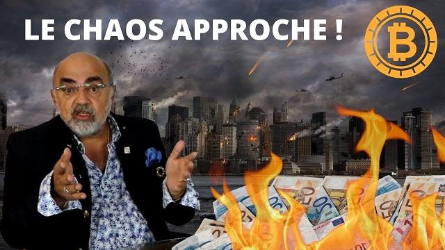 """Pierre Jovanovic: """"Le système bancaire est mort, le système monétaire est mort ! Tout le monde s"""